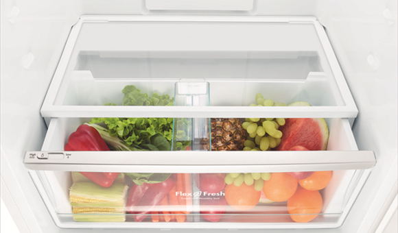 Get organised with the FlexFresh™ Crisper.